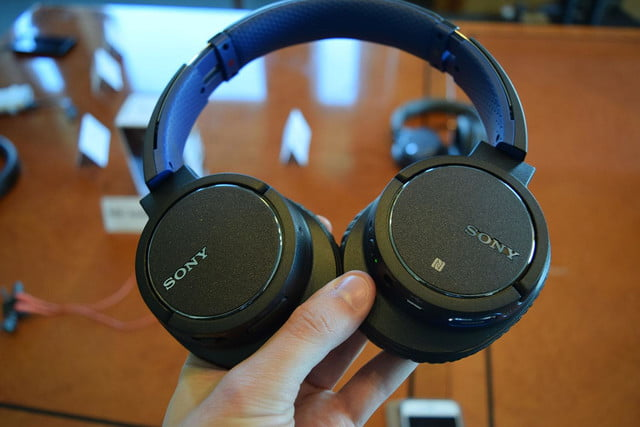 Sony MDRZX770BN hands on 1