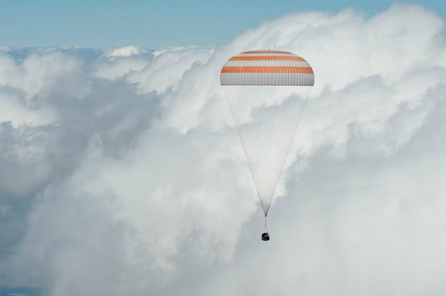 iss astronaut trio return to earth soyuz landing 2
