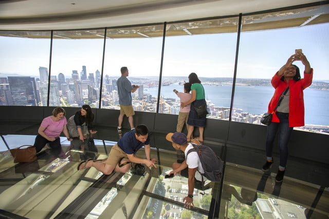 seattle space needle now has a revolving glass floor 2