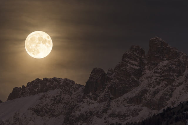insight astronomy photographer of the year 2017 super moon  giorgia hofer