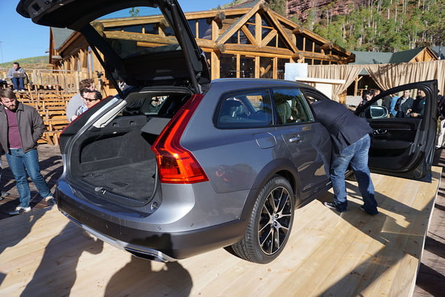 volvo v90 cross country news specs pictures 06