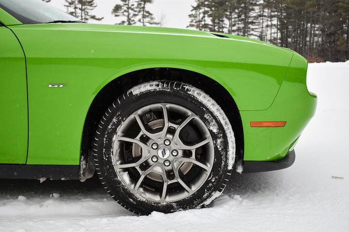 challenger gt awd 2017 dodge front tire 2 970x647 c 720x480