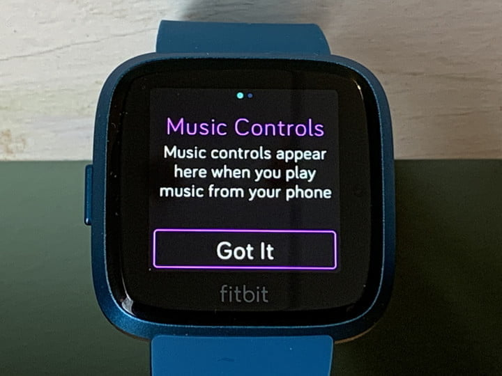 trucos para el fitbit versa lite 7 music controls jpg tips and tricks 720x720