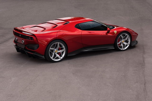 ferrari sp38 modelo exclusivo one off 3 640x427 c
