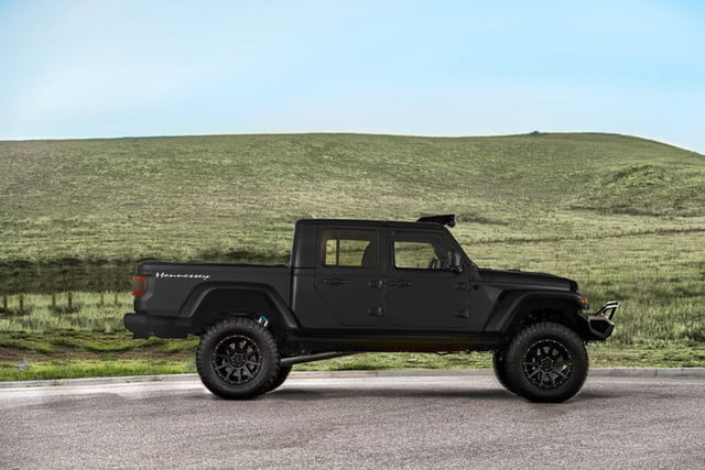 jeep gladiator hennessey hellcat v8 maximus side 700x467 c