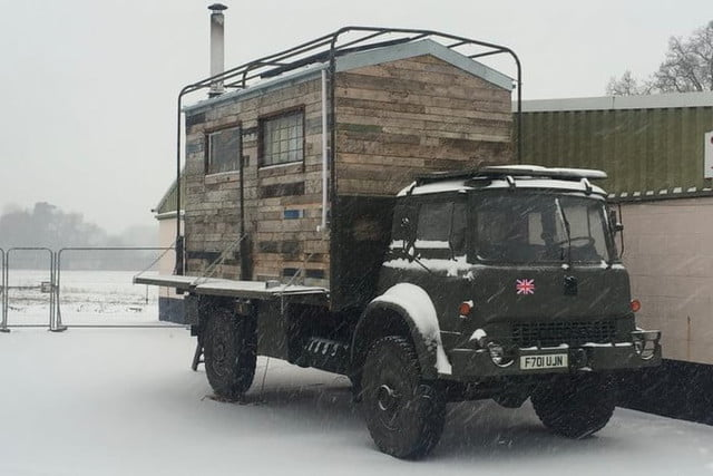 lorry life camion ejercito proyecto casa snow 700x467 c