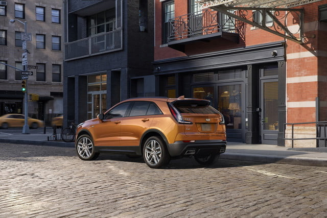 cadillac xt4 super cruise the 2019 was developed on an exclusive compact suv architect 5 640x427 c
