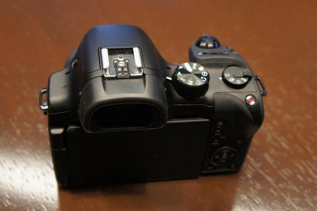 samsung announces nx30 mirrorless camera and android powered galaxy 2 dsc08192