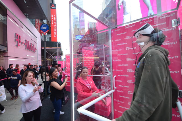 t mobile times square s7