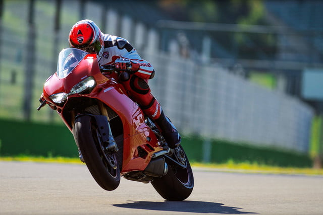 worlds fastest motorcycles ducati 1299 panigale s 0003