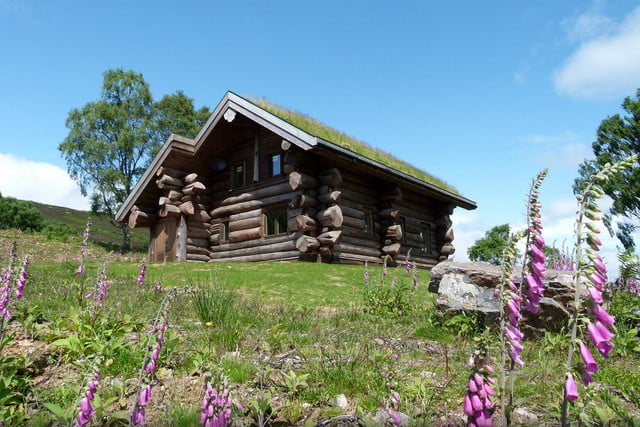 retreat from society and relax in these idyllic cabins around the world eagle brae highland log 3