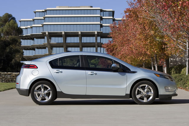 11 cars that will go extinct in 2016 first generation chevrolet volt  005