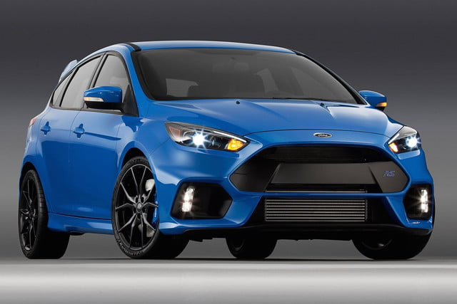 Ford Focus RS front angle