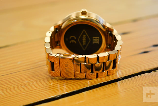 Fossil Q Venture review clasp closed