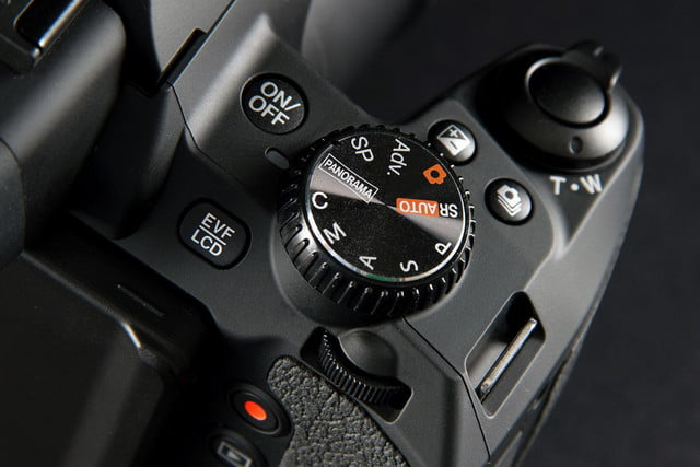 Fujifilm FinePix S1 top controls