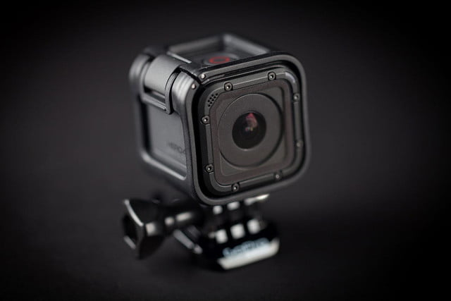 GoPro Hero 4 session hands on front angle lens