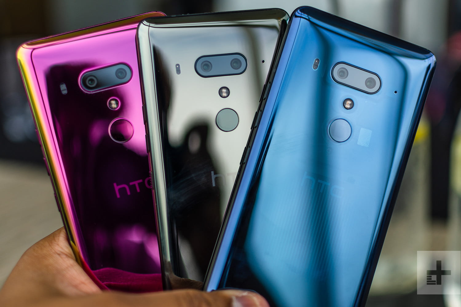 HTC U12 Plus vs  Galaxy S9 Plus: Clash of the Plus-sized Phones