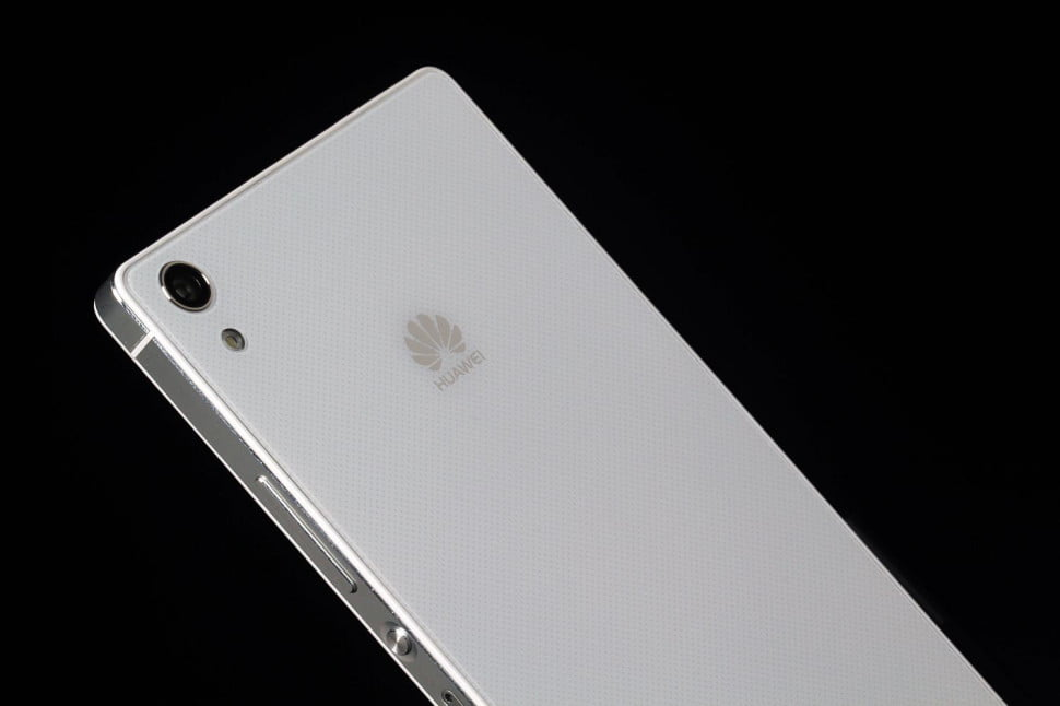Huawei Ascend P7 review angle