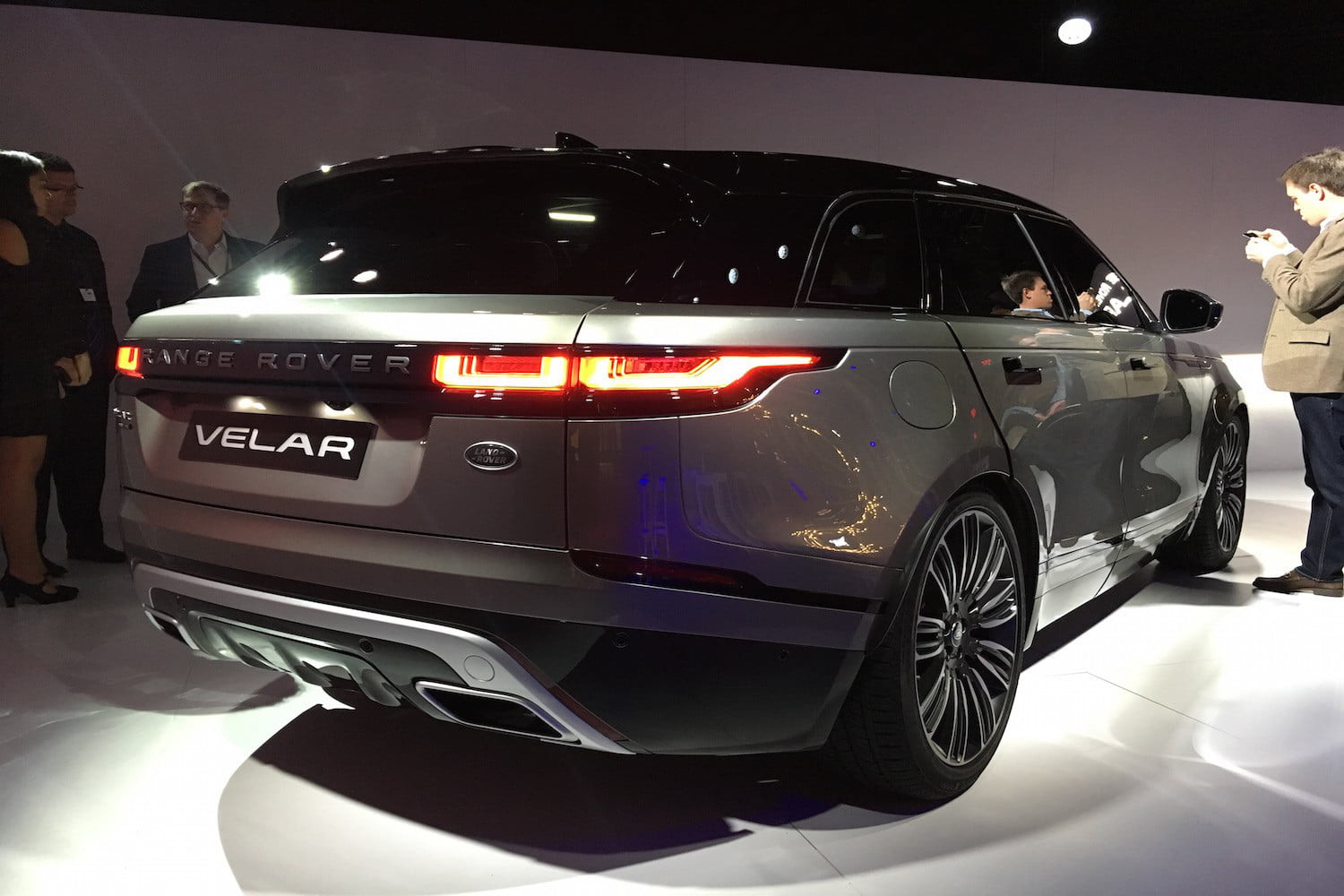 2018 Land Rover Range Rover Velar Debut | News, Pictures, Pricing ...