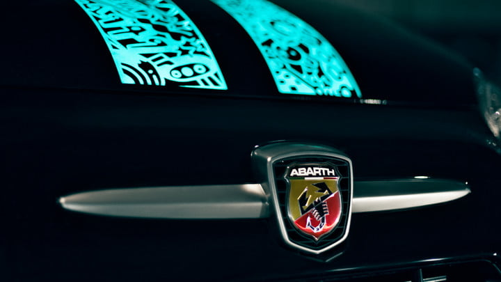 abarth shows one of a kind fiat 500 with scorpion skin paint img 5836 1 srgb 1800x1013