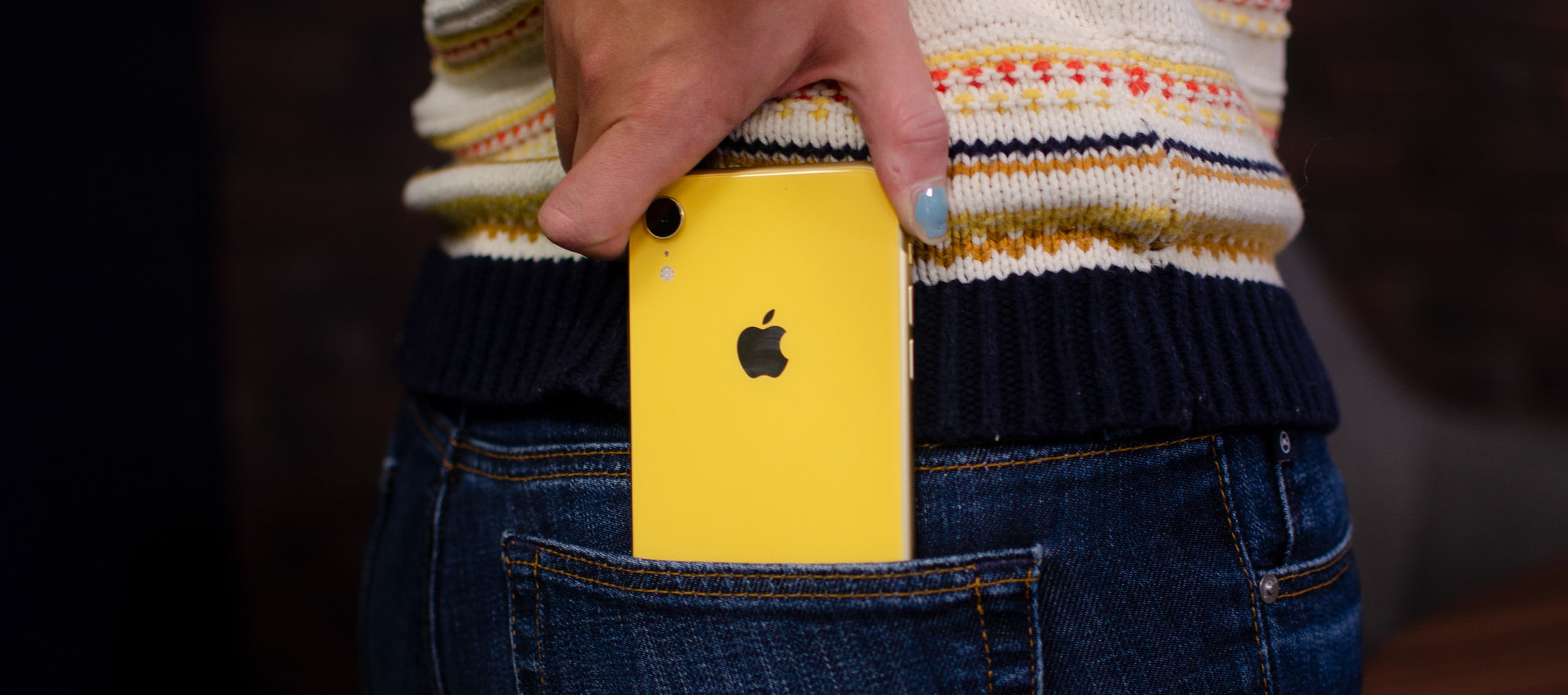 apple iphone xr review pocket xxl