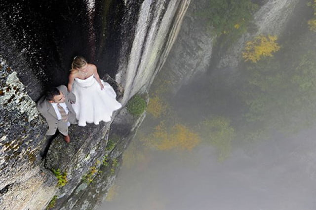 photographer jay philbrick adds dramatic effect placing subjects on ledge 2