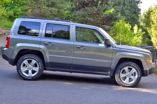 2012 Jeep Patriot Exterior Right Side View