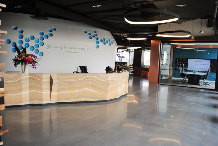 johnson and jlabs gives medican industry tech injection jlab office toronto