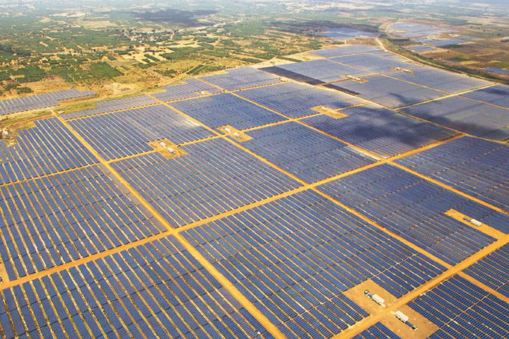 worlds largest solar farms kamuthi power station