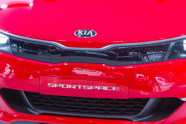 kia sportspace concept official pictures and specs 5