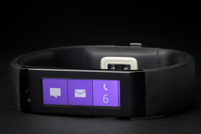 Microsoft Fitness Band review display 4