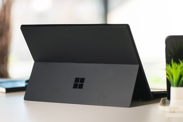 Microsoft's Surface Pro 2017 Bundle Will Be $330 Off on Black Friday