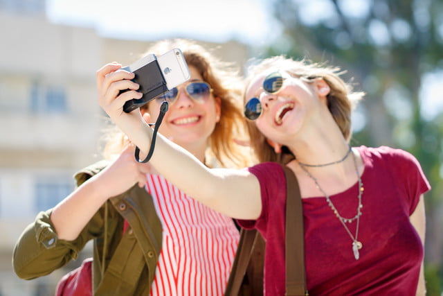 pictar iphone case provides dslr like shooting experience miggo 13
