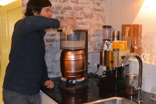 the minibrew is a little machine for homebrewing beer 003