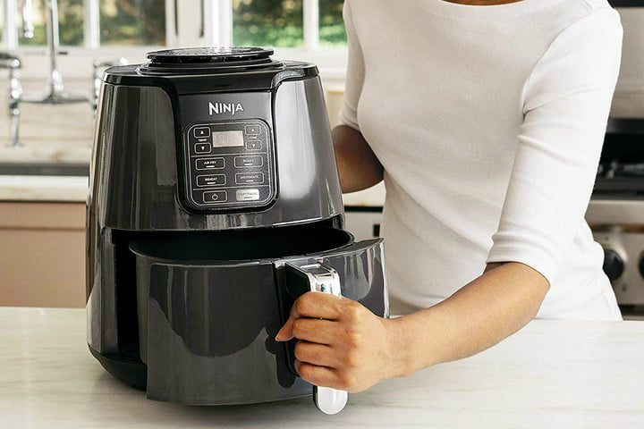 Make Crispy And Healthy Meals With This Ninja Air Fryer Now Only