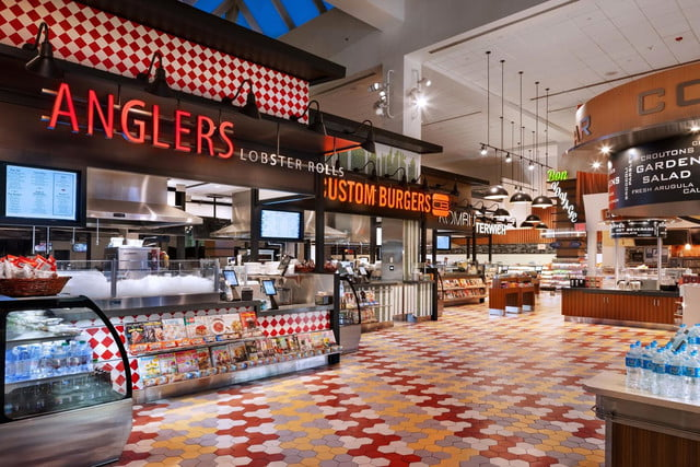 otgs techie food hall at laguardia airport is one of first to accept apple pay otg terminalc 4