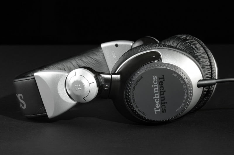 panasonic technics rp dj pro dj headphones review side