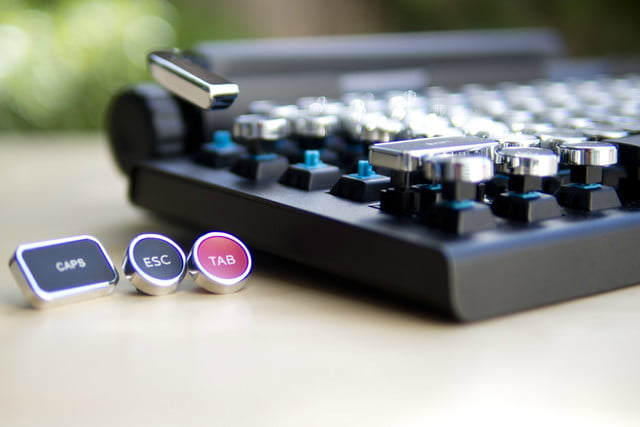 meet the keyboard that turns your tablet into a typewriter kinda qwerkywriter kecapsandswitch