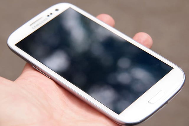 Samsung Galaxy S3 review screen off