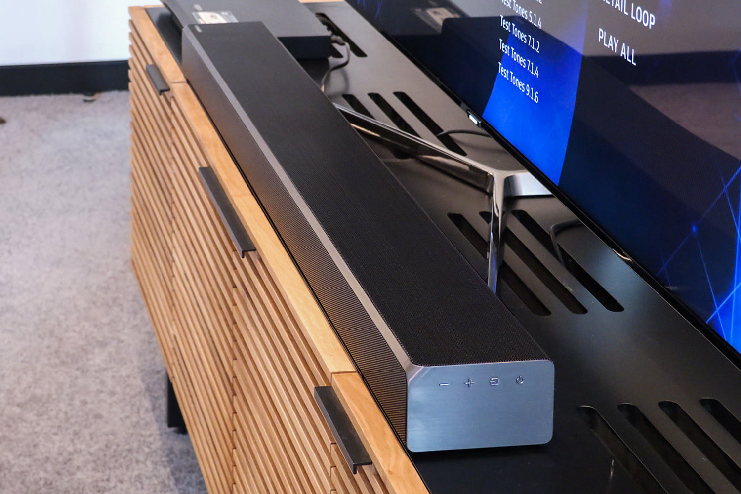 Hilo averias Y Problemas Tecnicos De Xbox One 1954095 s3910 furthermore Heos Home Cinema Wireless Soundbar And Subwoofer System further 312226186648155754 in addition Jbl Pulse 2 Portable Wireless Speaker Black 10140775 Pdt together with Sonos Playbase Slim Soundbase Under Your Tv. on digital output to tv speakers