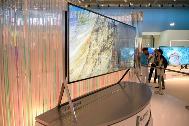 samsungs massive bending 4k tv flexes flat curved right front face samsung 9