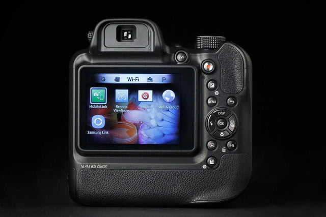Samsung WB2200F back wifi
