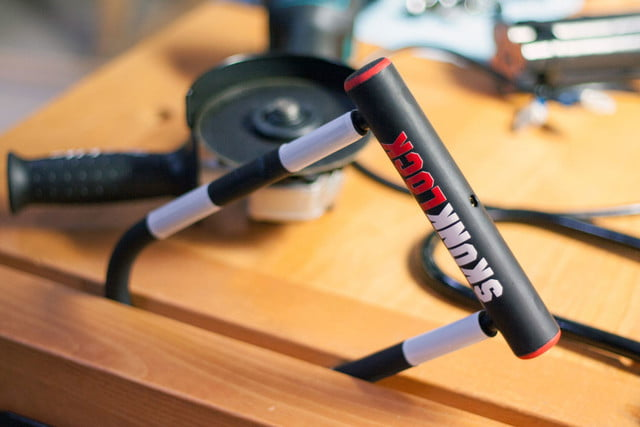 awesome tech you cant buy yet holovect aer skunk lock skunklock the only bike that fights back