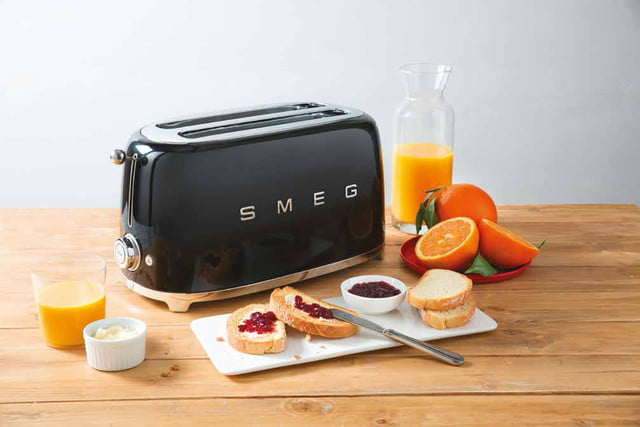 smeg introduces a retro dishwasher and bigger fridge tsf02 50s style 4 slice toaster 2