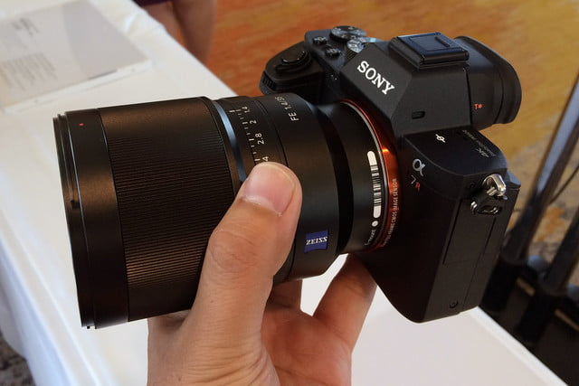 canon 5ds r vs sony a7r ii mark side