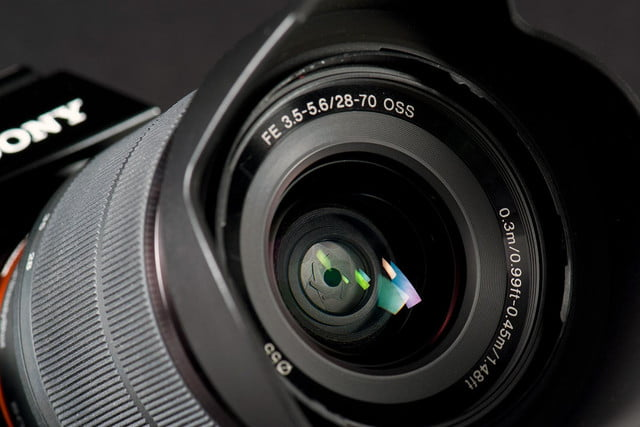 Sony-Alpha-7-zoom-lens-front