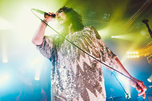 interview the struts embrace streaming thestruts fb 08