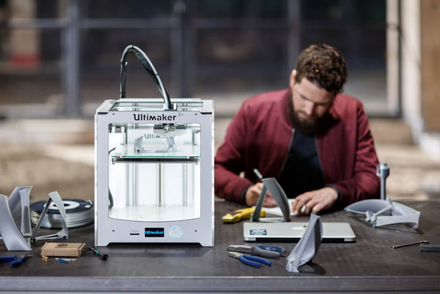 ultimaker unveils two new 3d printers at ces 2016 2 plus makerbot fabricator 3