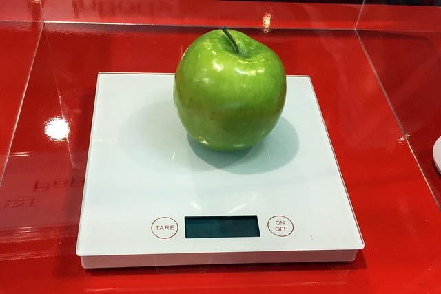 Vigilant Poppy smart connected food scale