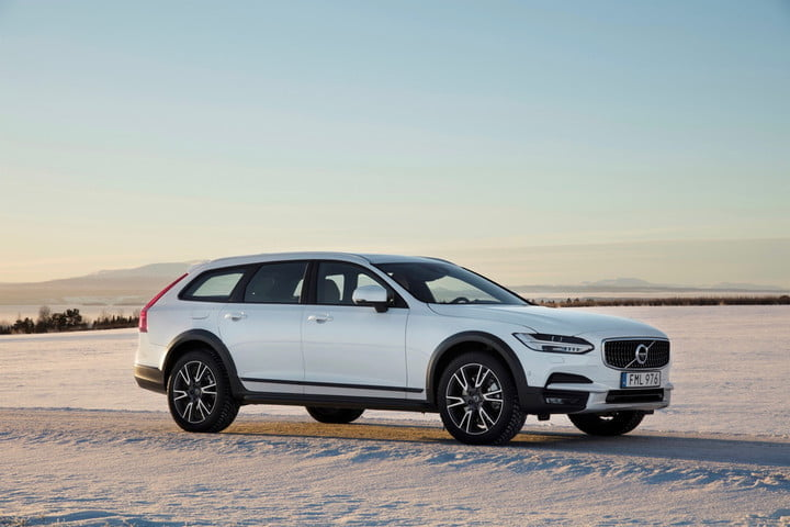 best family cars 2018 Volvo V90 Cross Country